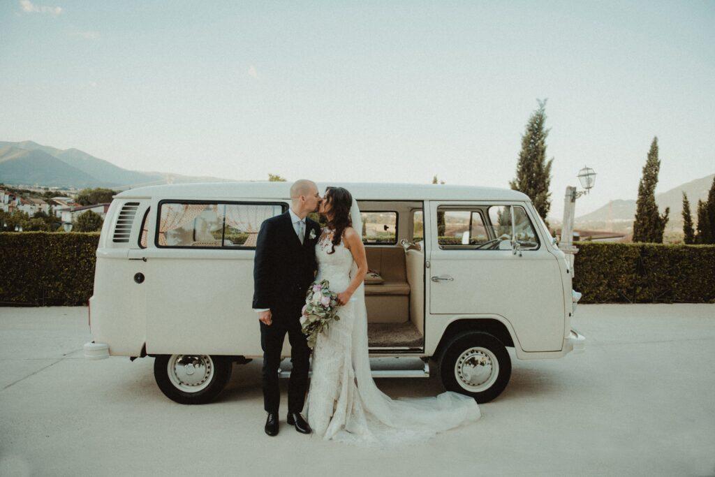 furgoncino vintage per gli sposi